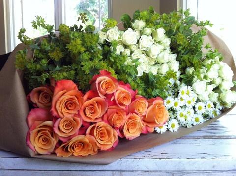 DIY flower arrangements    www.themagnoliamo...  Joanna Gaines