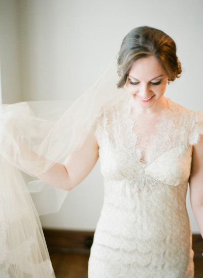 dress and veil by www.clairepettibo...