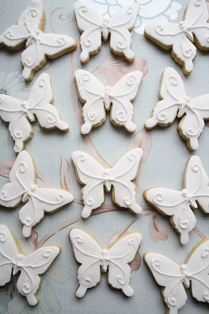 Sweetly gorgeous little monochromatic butterfly cookies. #decorated #cookies #butterflies #food #dessert #baking #white #wedding #party