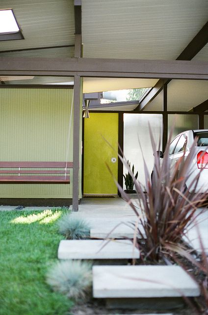 Eichler home - Orange California by The Analog Eye, via Flickr