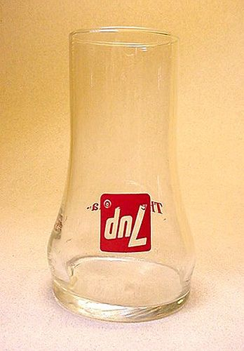 "7up ""The UNcola"" upside-down glass from the 1970s."