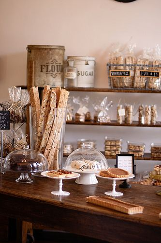 nice rustic look (I know this is a bakery, but I'd like to live there)