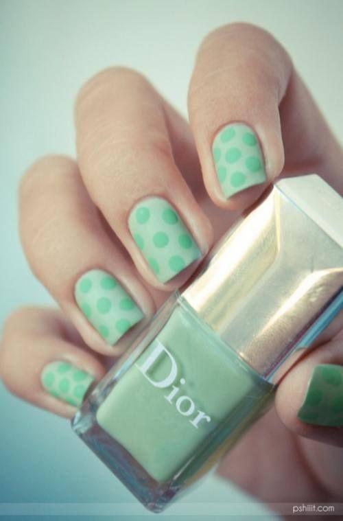 #nail #unhas #unha #nails #unhasdecoradas #nailart #gorgeous #fashion #stylish #lindo #green #verde #polkadot #dots #poa #bolinhas #matte