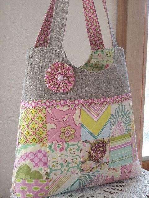 Simplicity Essential Patchwork Bag by antiquebasketlady