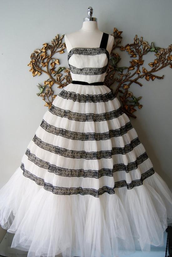 50s Wedding Dress / 1950s Dress/ Vintage 1950s by xtabayvintage, $498.00