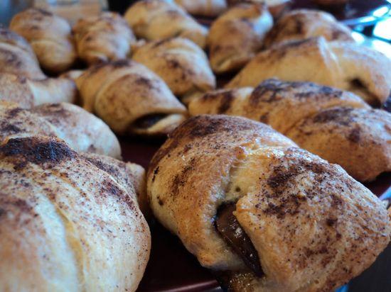 S'mores Rolls #dessert #recipe #easy #chocolate #baking #crescent_rolls