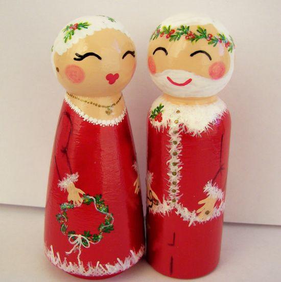 Santa and the Mrs. peg dolls....?