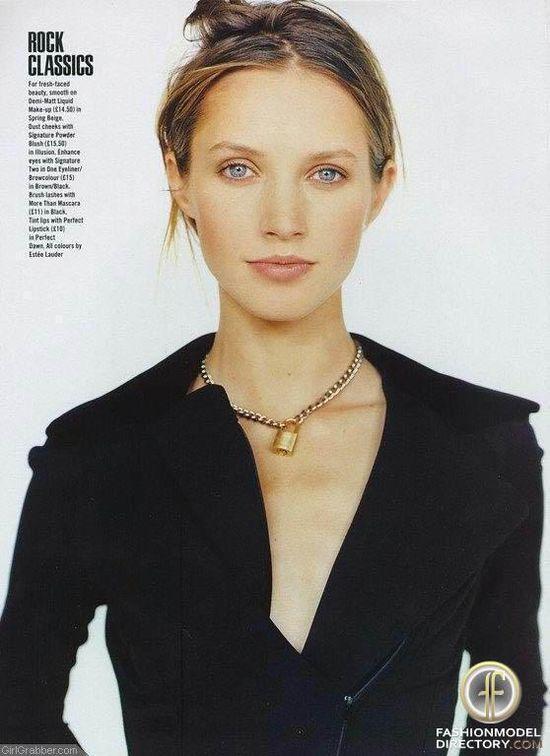 Cecilia Chancellor - Photo - Fashion Model
