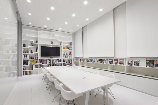 Hyundai Advances Design Studion / Delugan Meissl Associated Architects