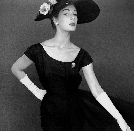Endless 1950s fashion love swooning going on here. vintage #fashion #1950s #dress #hat