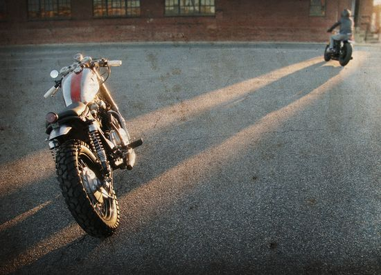 Sun and cafe racers