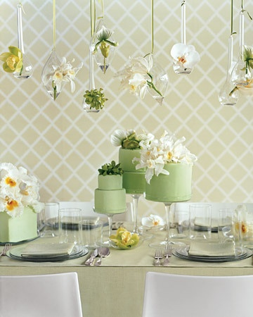 Beautiful table of #green #wedding #cakes and the #floating #vases above