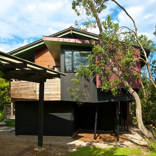 'the barnacle' by built-environment practice, broken head, NSW, australia.
