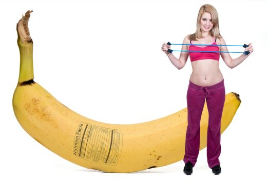 """""""A recent study out of Appalachian State University found that bananas deliver more nutritional advantages than sports drinks and have the same effect on performance, helping you effectively sustain yourself during exercise."""" new workout snack! Read more: chickrx.com/..."""