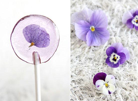 s p r i n g    i s   h e r e ! !  Make your own spring flower lollipops.