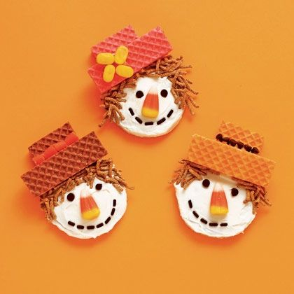 Sweet Scarecrow Cookies! #fall #cookie #recipes