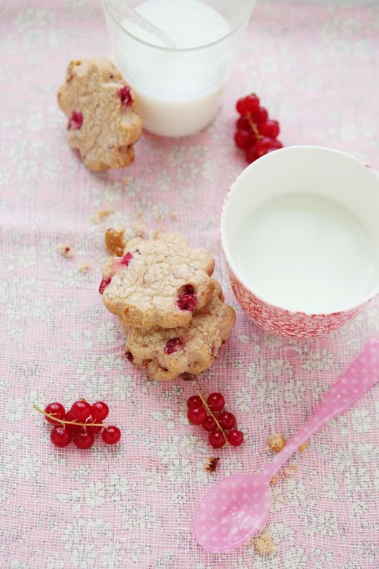 {Red Currant Shortbread} :: Cannelle et Vanille