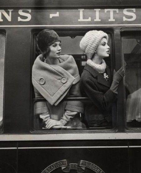 Simone D'Aillencourt & Dorothy McGowan 1960 © Louis Faurer
