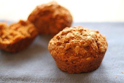 Vegan Carrot Raisin Muffins / Clean Eating