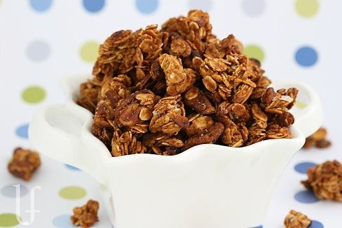 Pumpkin Crunch Granola by eatingwelllivingthin: Makes your house smell like pumpkin pie. #Granola #Pumpkin #eatingwelllivingthin