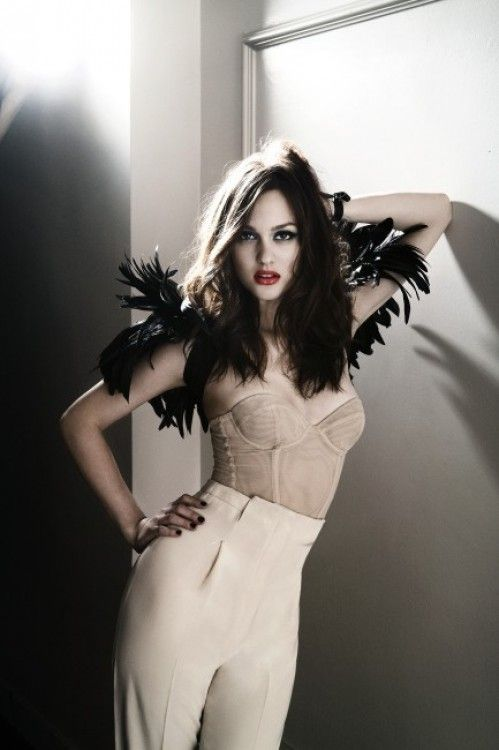 Leighton Meester:: dark angel outfit! #Glamour #DIY #FASHION