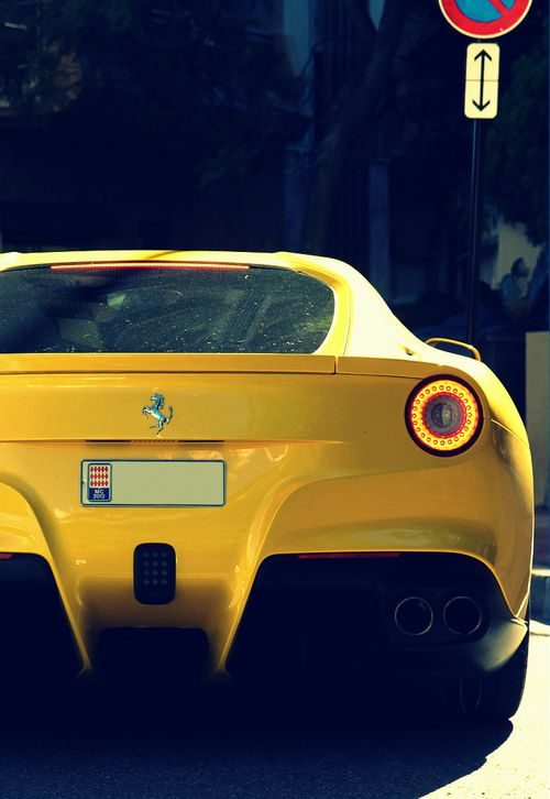 #Ferrari #Yellow #Light #Details #Sexy