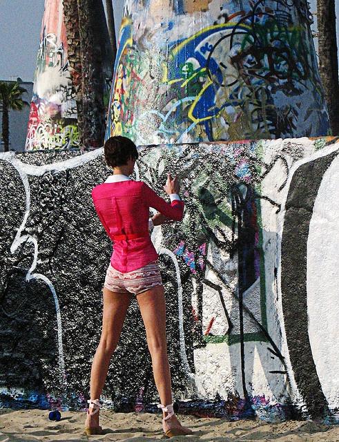 Graffiti artist at Venice Beach, Los Angeles