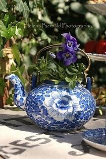 Lovely flower arrangement idea