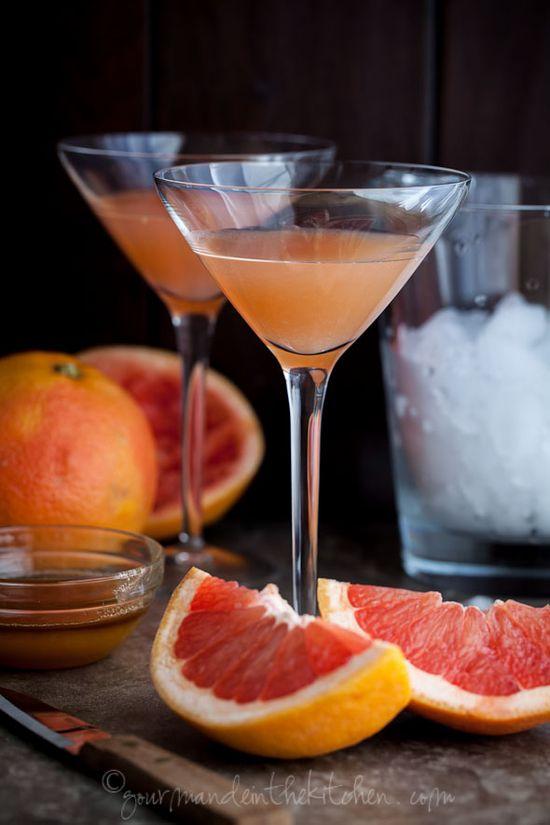 Brown Derby Grapefruit Cocktail from gourmandeinthekit...  The Brown Derby