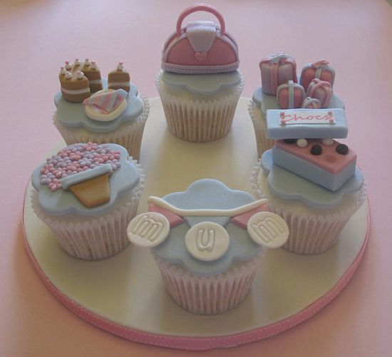 Mother's Day Cupcakes by Vintage House Bakery, via Flickr