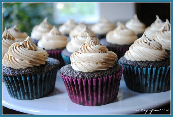 Chocolate Cupcakes with Biscoff Buttercream Frosting @shugarysweets #recipe @biscoff