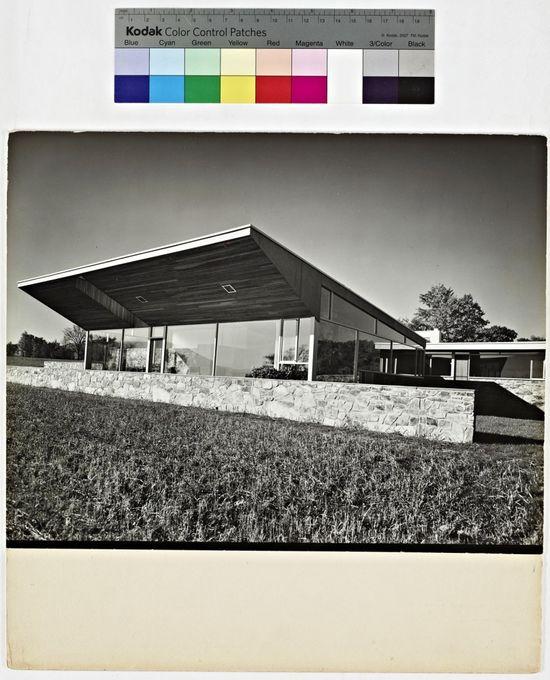 Robinson House, View from the Northeast / Architect: Marcel Breuer / Photographer: Robert M. Damora --