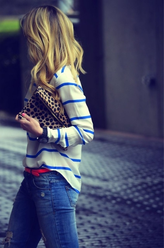 Stripe light sweater + Coral skinny belt + Distress jeans via inunomimi.tumblr.com