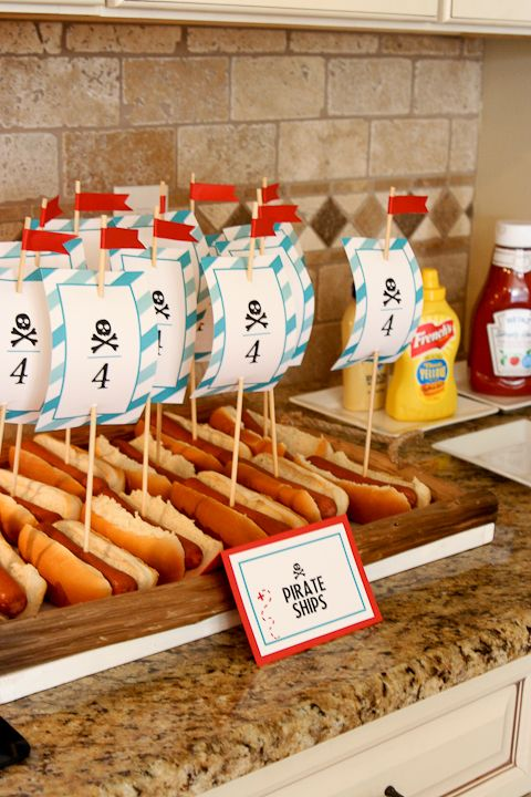 Pirate Party Hot dog ships