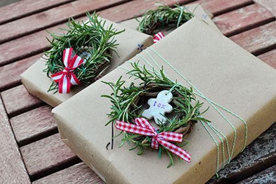 Creative DIY Gift Wrapping Ideas - Mini Wreaths