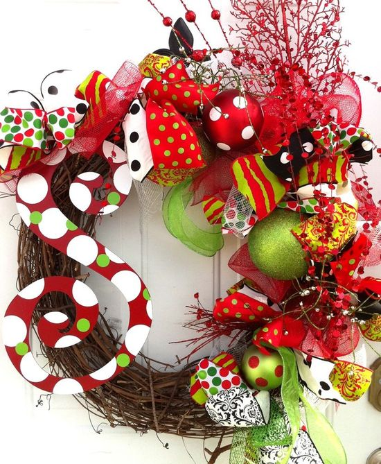 LOVE this Christmas holiday wreath!