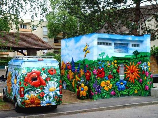 flowers street art  graffiti