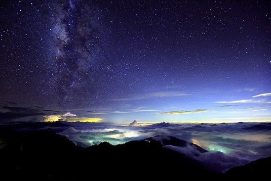 star ship from Galaxy ???? by Thunderbolt_TW, via Flickr