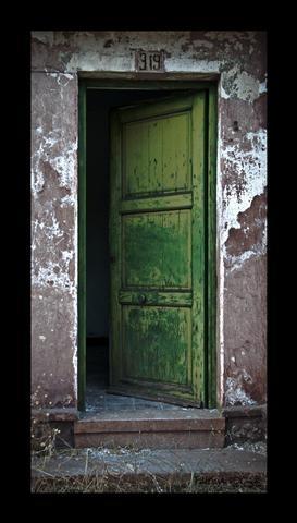 enter.