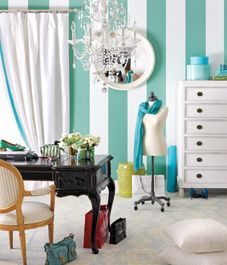An effortlessly elegant dressing room gets dolled up in Tiffany blue and turquoise on a diva and demure budget.