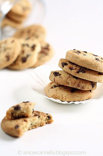 LOVE: Chocolate chip cookies