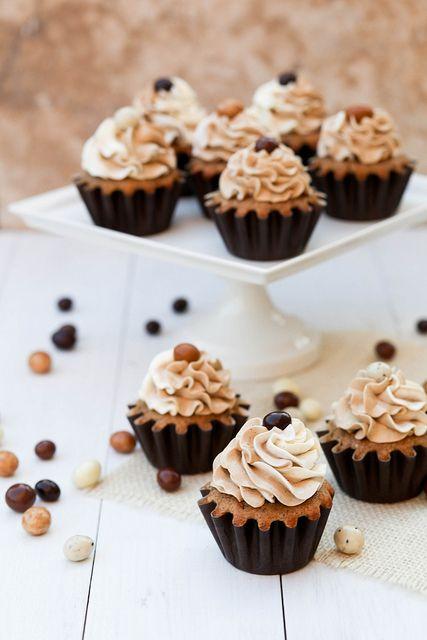 vanilla latte cupcakes!