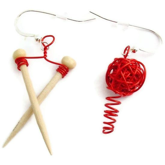 Valentine Red Knitting Needles and Yarn by mamasmagicstudio, $35.00  Cute!