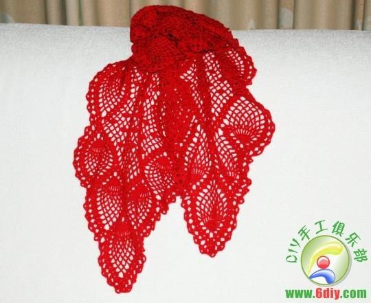 gift presents for women: charming crocheted scarf