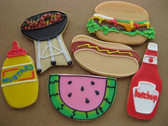 Totally fun summer barbeque themed cookies. #cookies #summer #barbeque #barbecue #BBQ #picnic #cookies #decorated #food #baking #dessert #cute