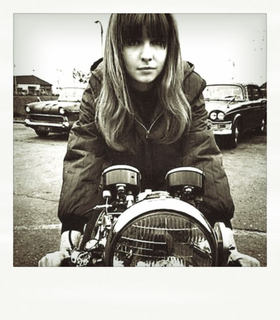 There's something about a woman on a cafe racer that just makes me happy.