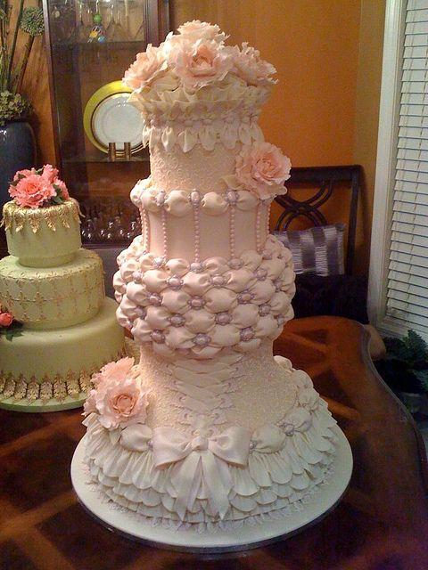 wow beautiful wedding cake