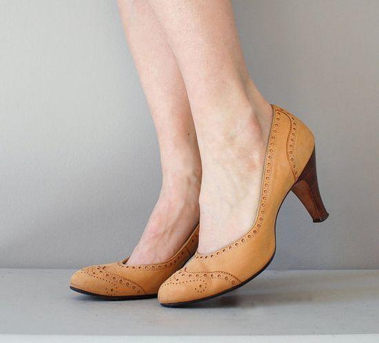 vintage 1950s heels / vintage 50s shoes / Wingtip by DearGolden