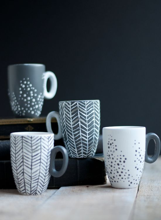 DIY: painted mugs