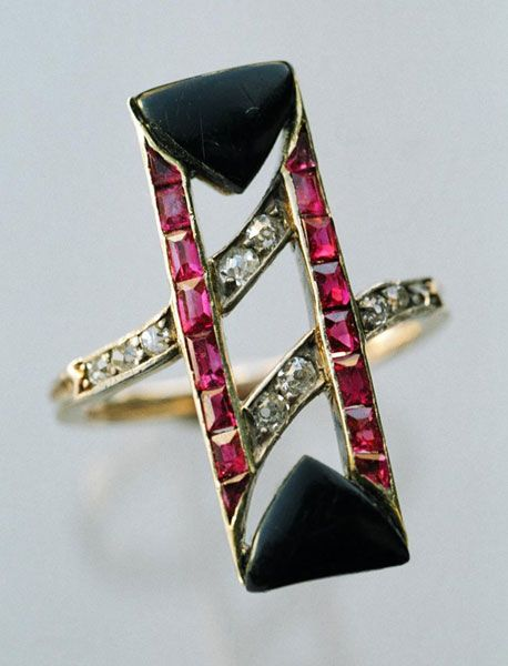 Ruby and diamond art deco ring.